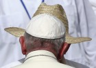 El Papa no emite ningún mensaje crítico con los Castro