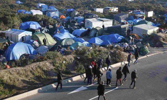 Una imagen de los refugiados a las afueras de Calais