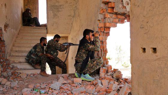 Guerra en Siria: Combatientes kurdos de las YPG