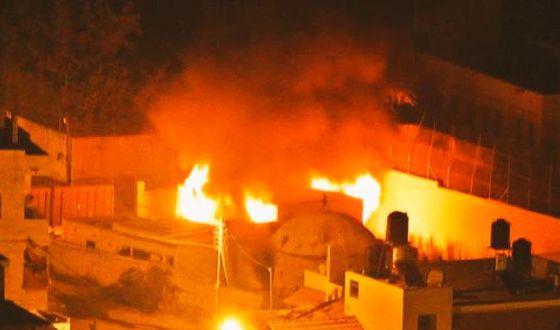 Imagen del santuario incendiado en Israel publicada por el portavoz del Ejército israelí en Twitter