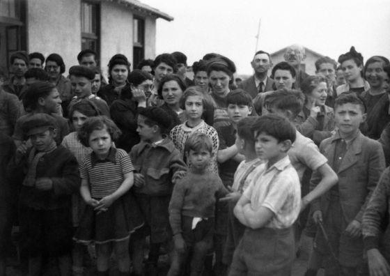 Republicanos españoles en el campo francés de Rivesaltes en 1941
