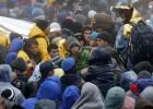 Miles de refugiados quedan varados en las fronteras balcánicas