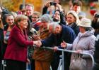 Crise dos refugiados aumenta pressão sobre Angela Merkel
