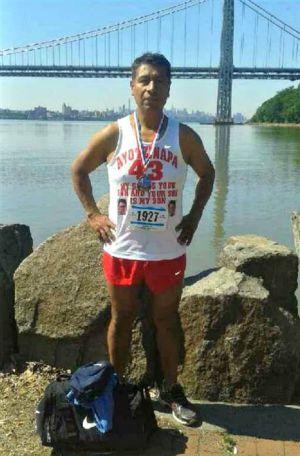 Un padre de Ayotzinapa corre la maratón de Nueva York