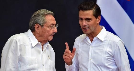 Enrique Pena Nieto recibe a Raúl Castro en Mérida