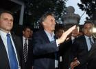 Macri trata de evitar un conflicto social en el inicio de su mandato