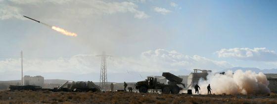 El Ejército sirio dispara un misil contra posiciones del ISIS