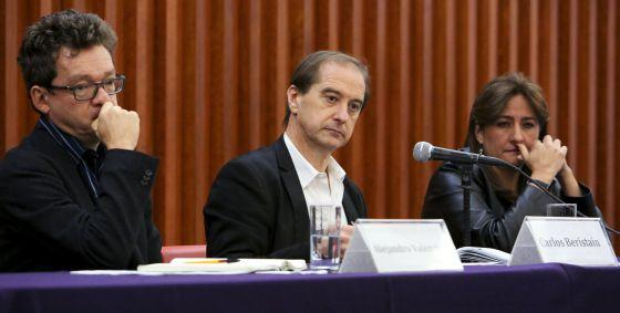 Alejandro Valencia, Carlos Beristain y Ángela Buitrago, del GIEI.