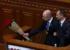 Vídeo: Un diputado agrede al primer ministro en Ucrania