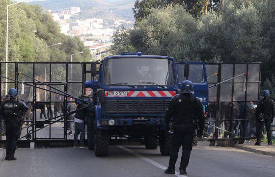 Córcega, el frente independentista deja la lucha armada. 1451231055_940321_1451231391_noticia_normal
