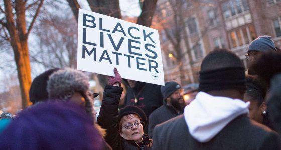Protestas en Chicago por las últimas muertes por disparos de la policía.