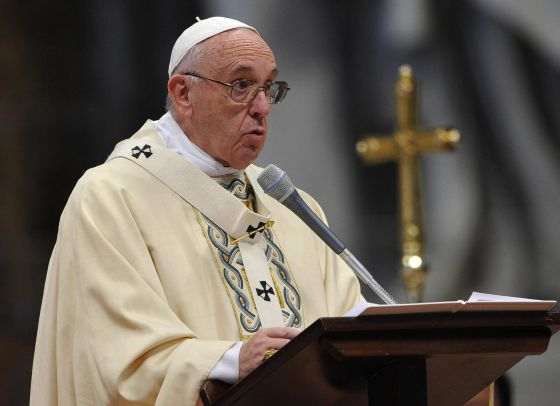 El papa Francisco oficia misa el 6 de enero.