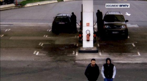 Salah Abdeslam, a la izquierda, y Hamza Attou el pasado 14 de noviembre.