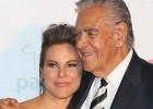 """El padre de Kate del Castillo asegura que su hija está """"muy tranquila"""""""