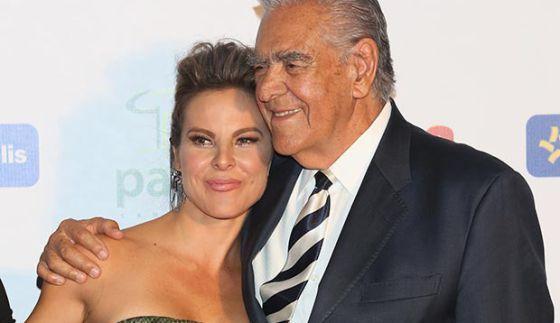 El actor Eric del Castillo junto a su hija Kate.