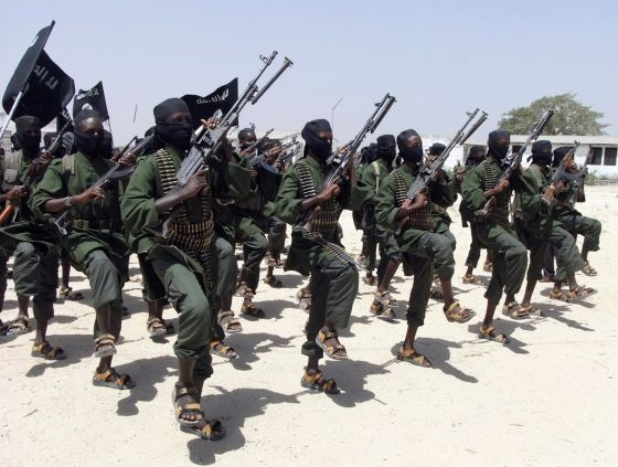 Miembros del grupo terrorista Al Shabab