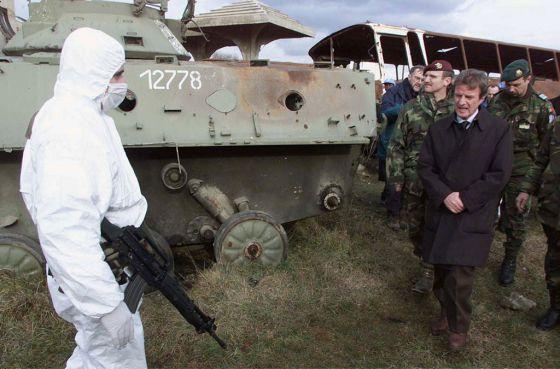 El jefe de la ONU en Kosovo, Bernard Kouchner