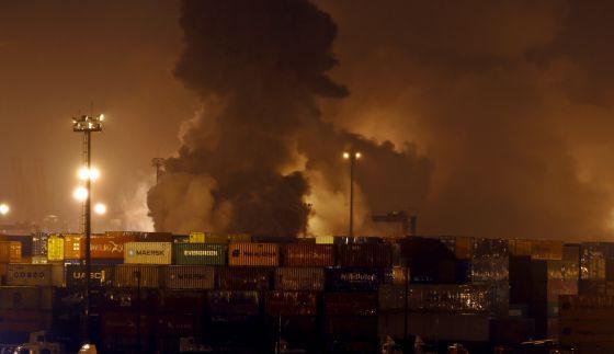 Incendio de contenedores químicos en Brasil.
