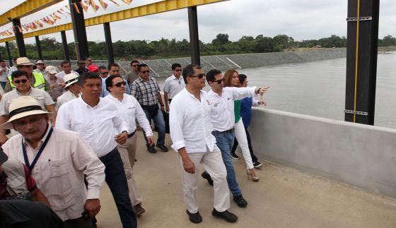 Correa en la inauguración del trasvase Daule-Vinces.