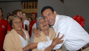 Moreira en un acto público como gobernador de Coahuila.
