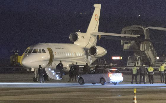 El avión suizo a su llegada a Ginebra, este domingo
