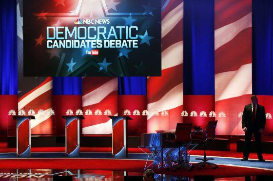 Plato donde se celebra el debate dentre candidatos demócratas, en Carolina del Sur.