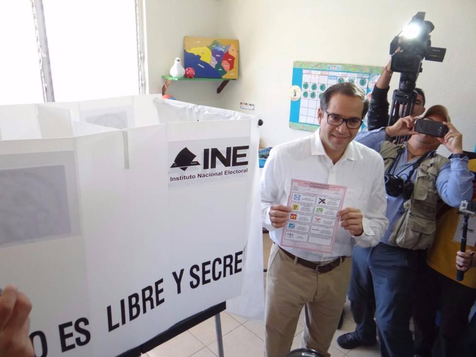 José Ignacio Peralta Sánchez durante la votación el pasado domingo.rn rn
