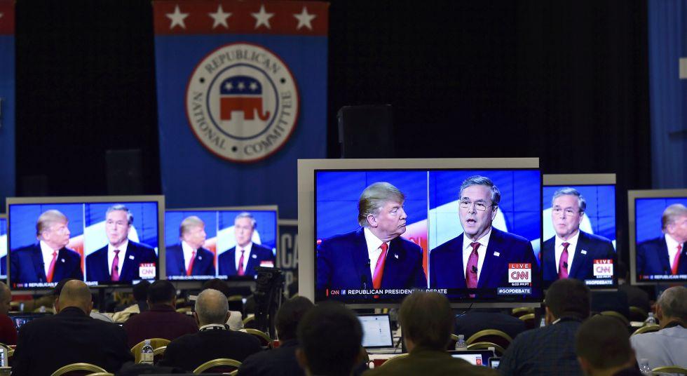 Donald Trump y Jeb Bush, durante el debate del 15 de diciembre