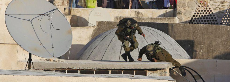 Fuerzas israelíes toman posiciones para el desalojo de colonos en Hebrón