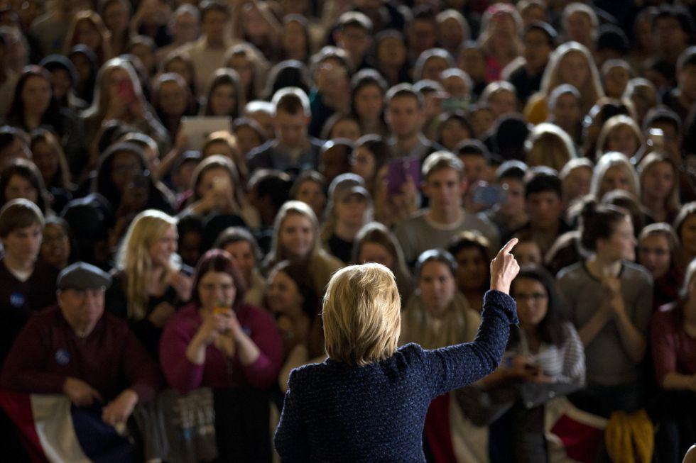 Hillary Clinton, durante un mitin en la Universidad de Iowa.