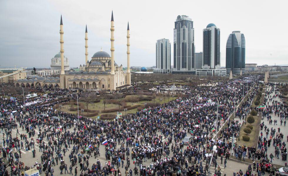 Manifestación en Grozni, Chechenia, en apoyo a Putin