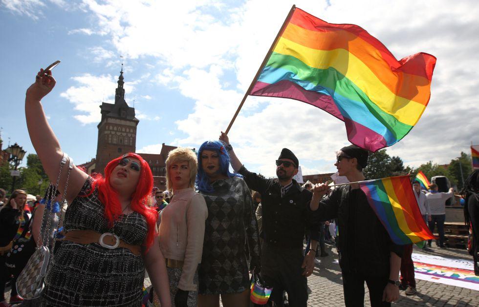 Participantes en una marcha del movimiento LGTB polaco en mayo de 2015 en Gdansk.