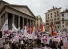 Miles de personas piden en Italia la legalización de las uniones gais