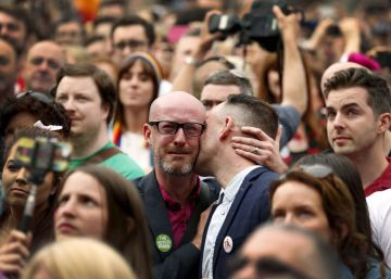 Miles de personas apoyan la legalización de las uniones gais en manifestaciones por toda Italia
