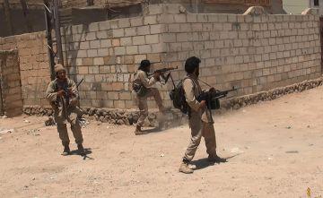 Combatientes del Estado Islámico en Deir al Zor.