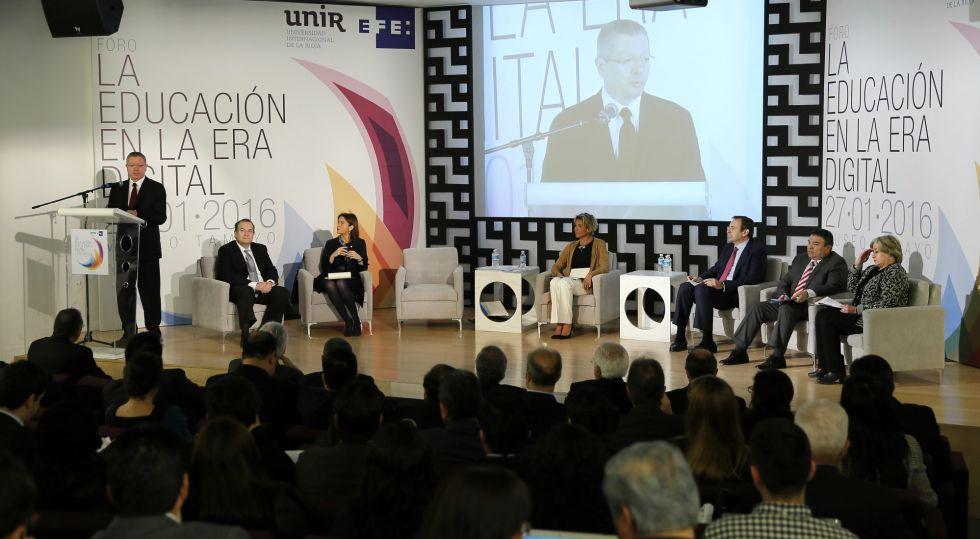 Ruiz-Gallardón en un foro de UNIR y Efe en México.