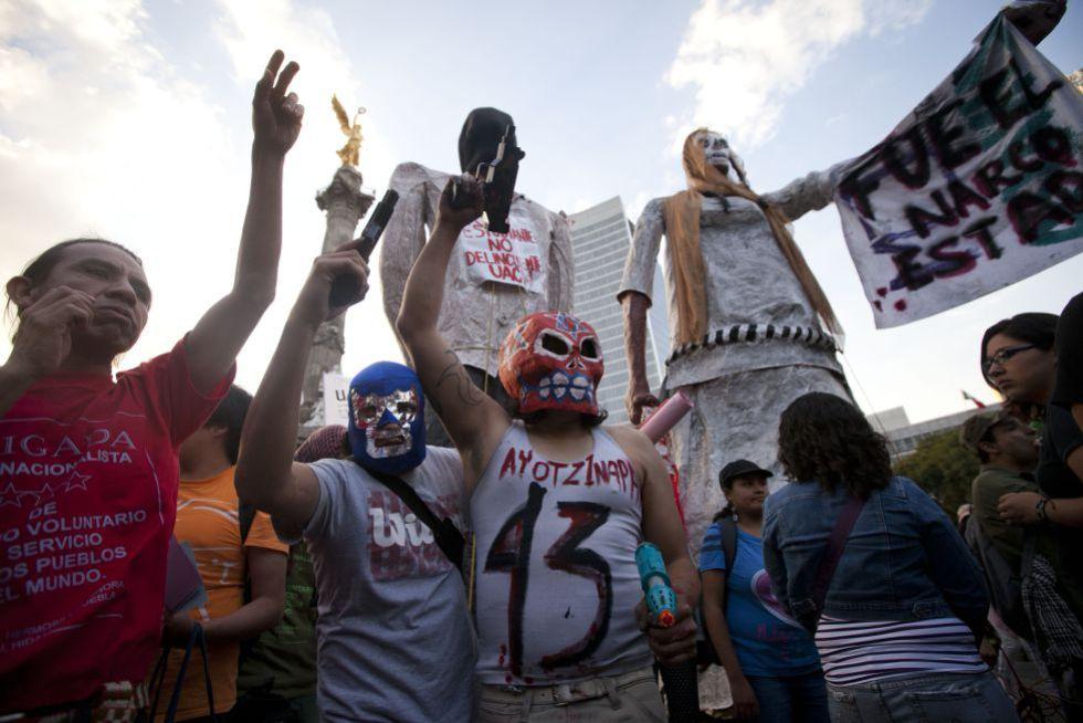 Una de las marchas realizadas para exigir el paradero de los estudiantes de Ayotzinap