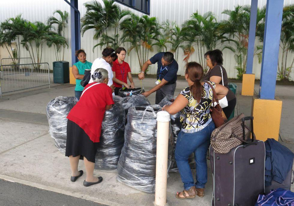 Muchos puertorriqueños están abandonando la isla por la crisis económica