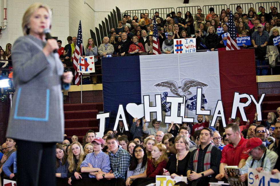 Espectadores en un evento de Hillary Clinton.