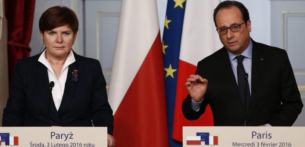 Beata Szydlo comparece junto al presidente francés, François Hollande