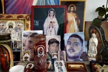 Altar por los desaparecidos en Tierra Blanca.