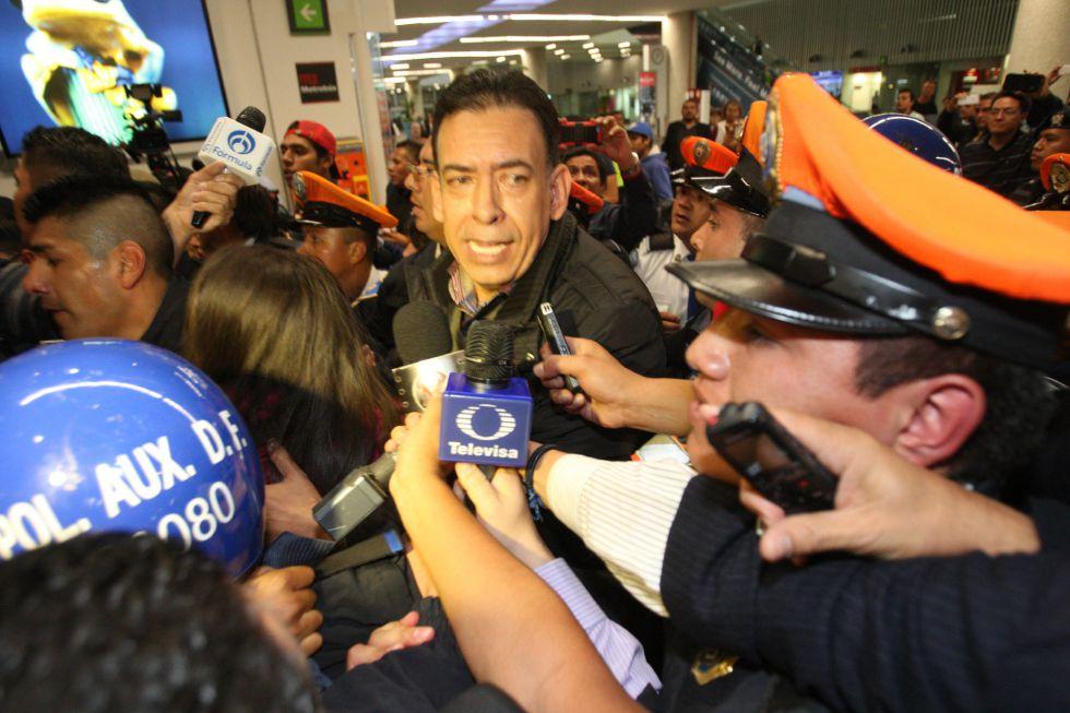Humberto Moreira el miércoles a su llegada a México