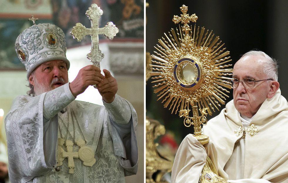 El patrtiarca de la Iglesia ortodoxa rusa Cirilo, a la izquierda, y el papa Francisco.