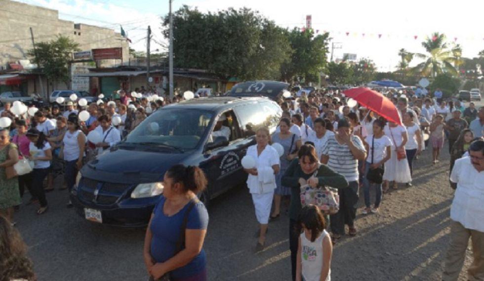 Funeral por el sacerdote asesinado en Ciudad Altamirano en 2014