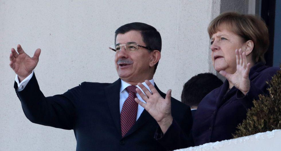 Angela Merkel y Ahmet Davutoglu, en Ankara.