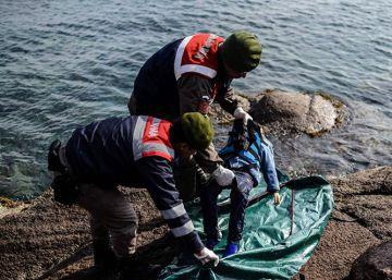 Merkel pedirá a la OTAN que ayude a contener la crisis de los refugiados