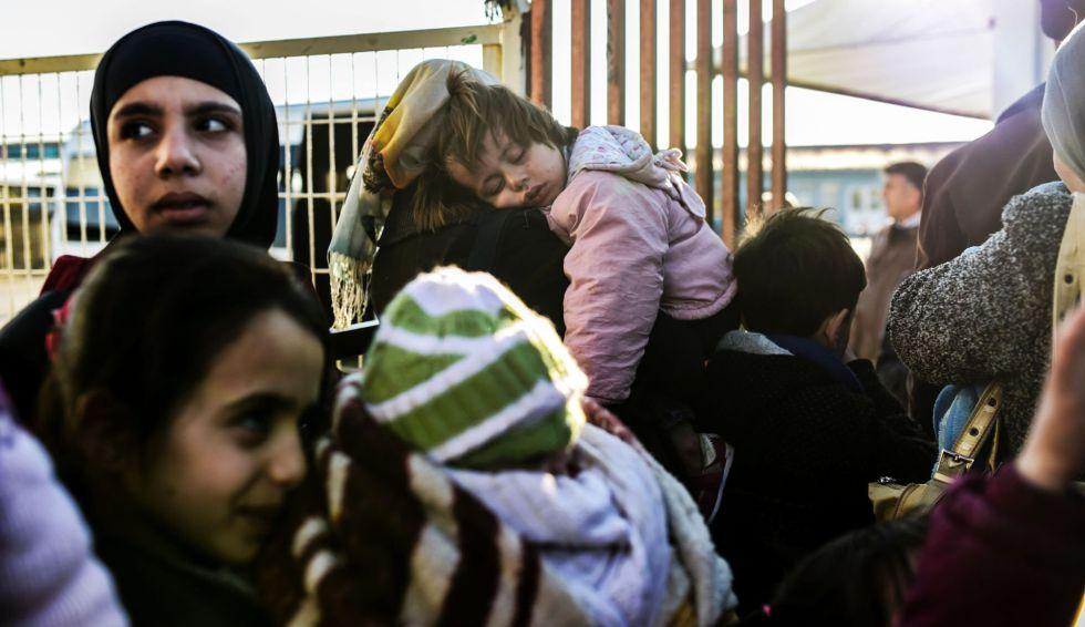 Mujeres sirias, en el paso turco de Cilvegozu.