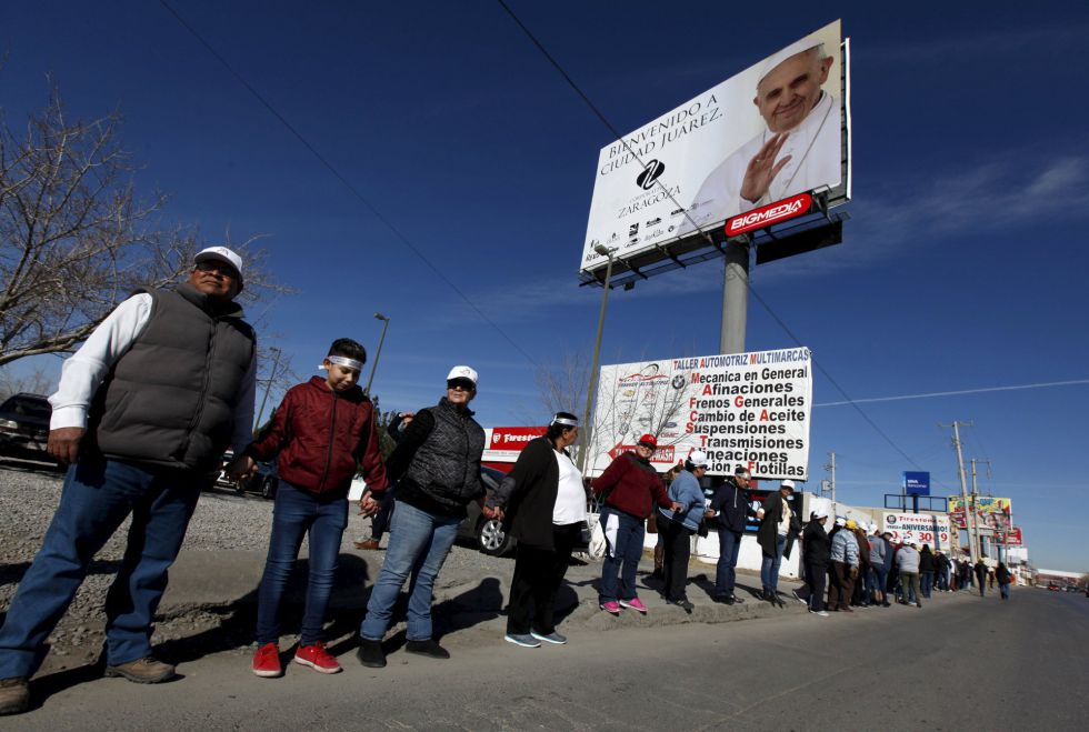 Un grupo de voluntarios para la visita del Papa en Ciudad Juárez