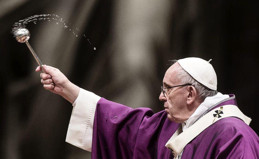 Papa Francisco celebra la misa del Miércoles de Ceniza