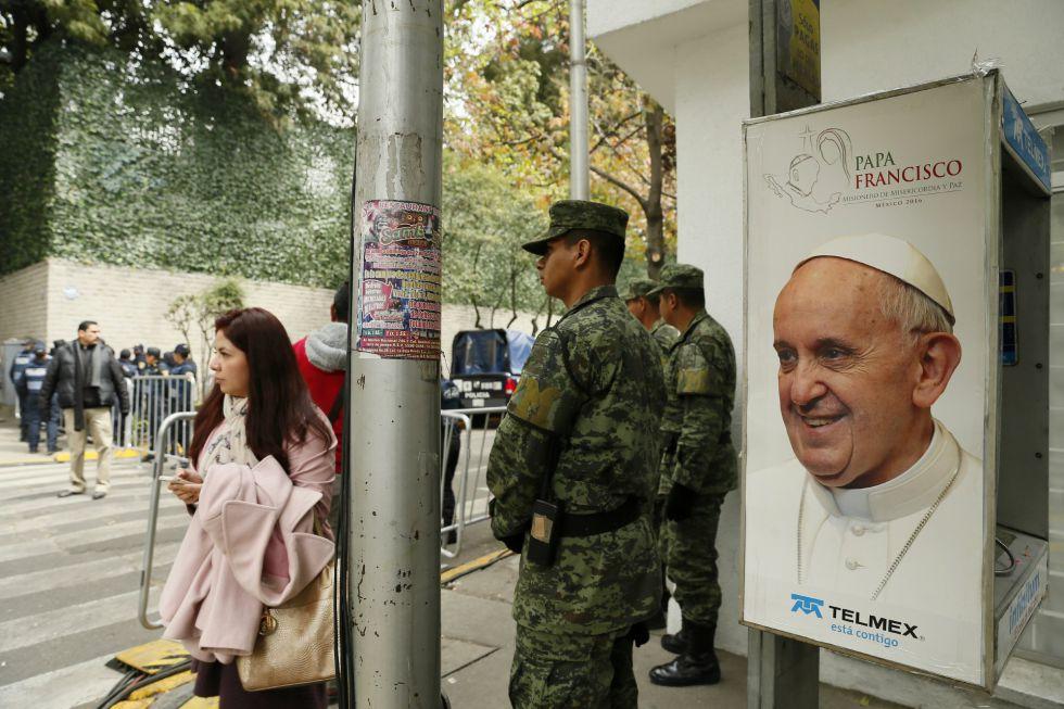 Estaciones de metro y metrobús que cerrarán por la visita del Papa